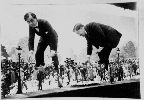 Sem et Roubille dans leur Diorama, Photographie, 1909, coll. privée