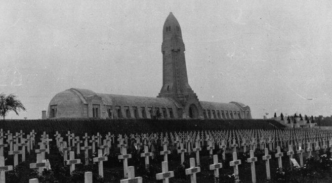 Mémoire et commémorations de la Grande Guerre : parcours guidé du «Web 14-18», et bibliographie